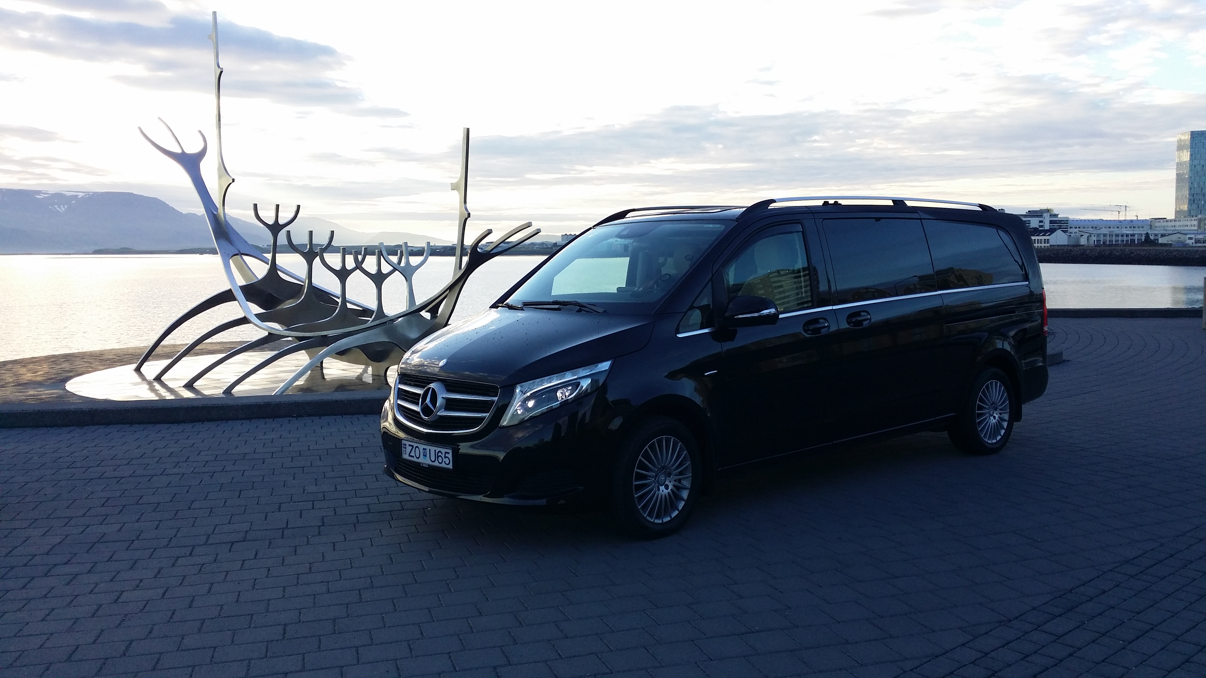 Private airport transportation Iceland